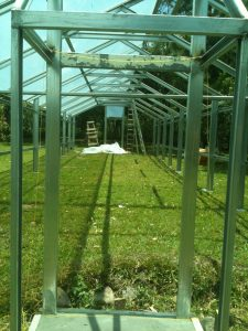 Metal greenhouse structure